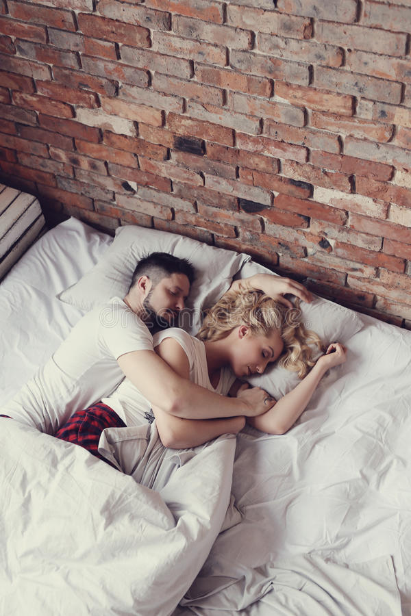 Paar in bed royalty-vrije stock foto