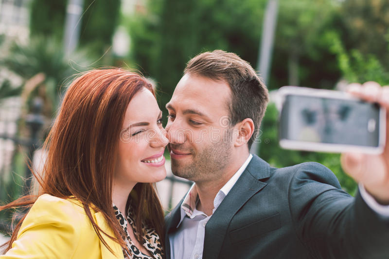 Paar dat pret heeft stock fotografie