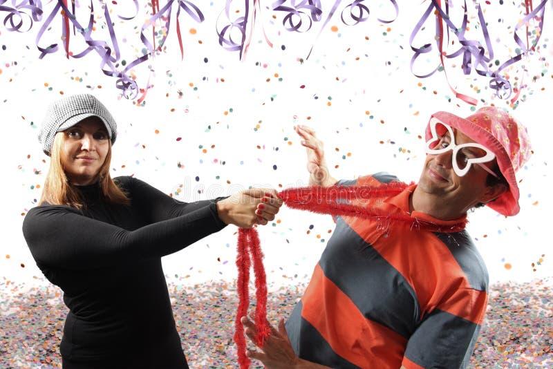 Paar die Carnaval spelen royalty-vrije stock afbeeldingen