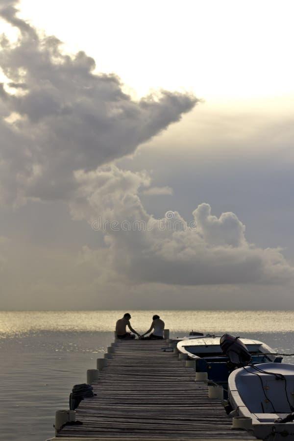 Paar die de Caraïben overzien royalty-vrije stock foto