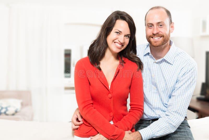 Paar die samen pret hebben royalty-vrije stock fotografie