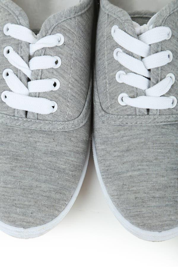 Paar grijze schoenen royalty-vrije stock afbeelding