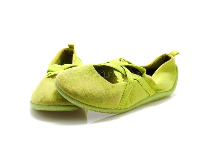 Paar groene balletschoenen stock afbeelding