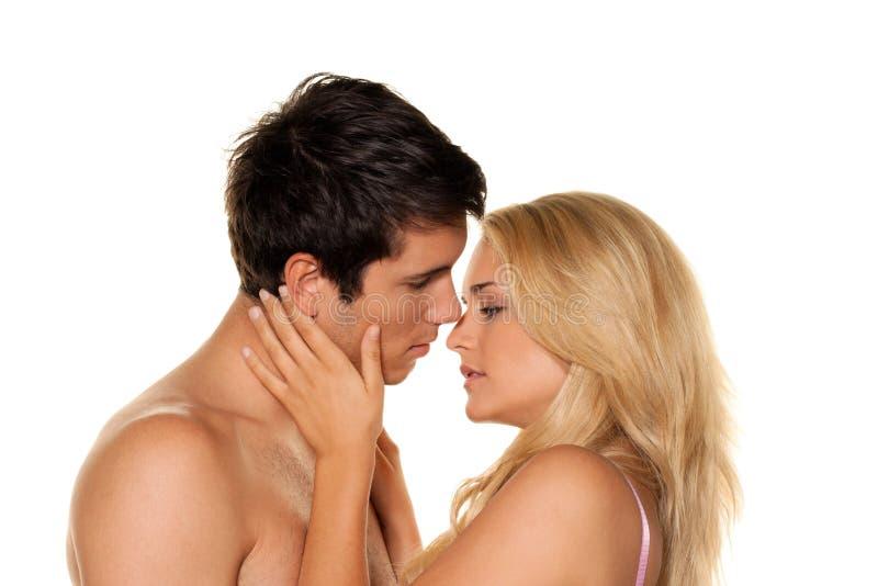 Paar hat Spaß. Liebe, Eroticism und Weichheit lizenzfreies stockfoto