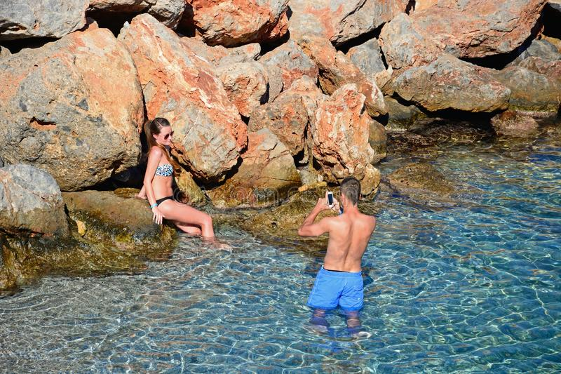 Paar in het overzees, Agios Nikolaos royalty-vrije stock foto's