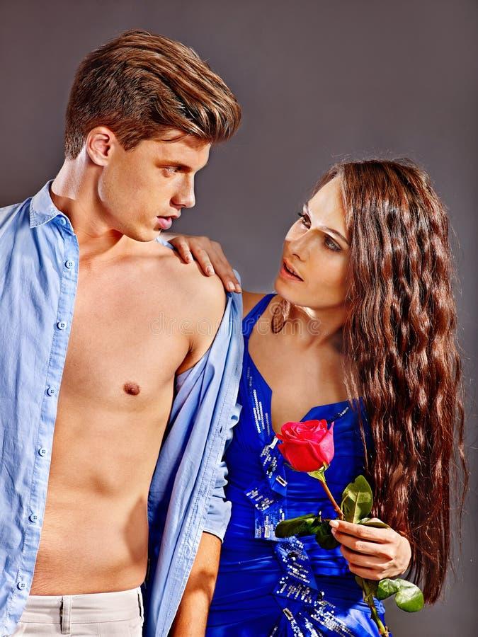 Paar met bloem royalty-vrije stock foto