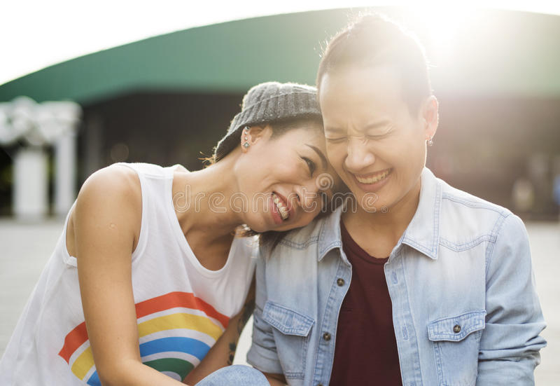 Paar-Moment-Glück-Konzept LGBT lesbisches lizenzfreie stockbilder