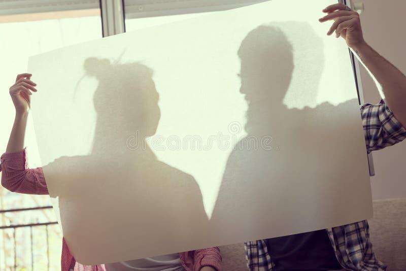 Paar` s silhouetten stock afbeelding