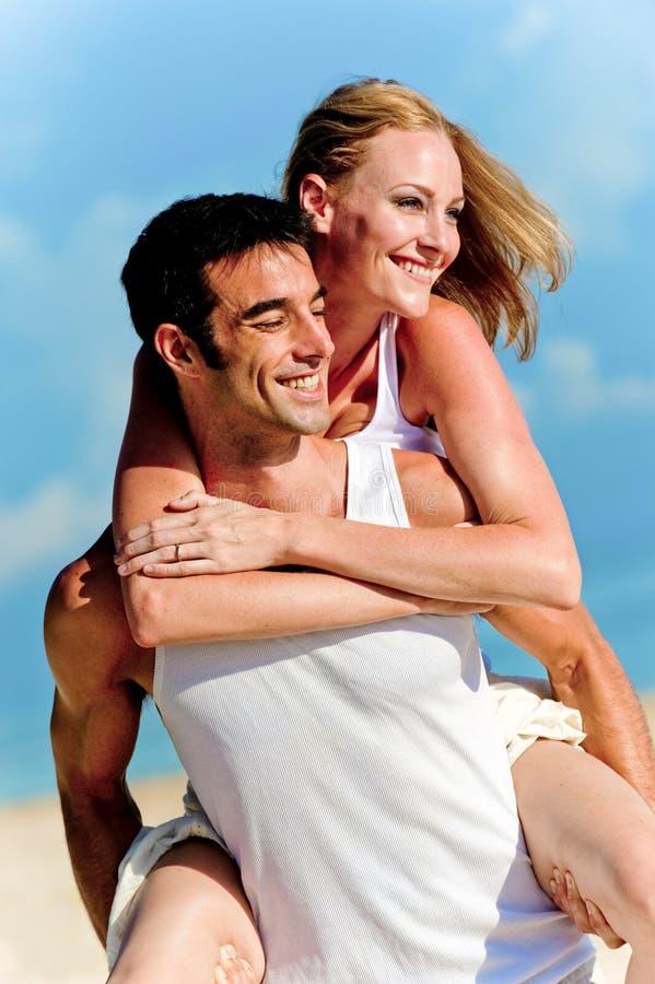 Paar in The Sun stock afbeeldingen