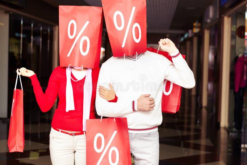 Paar van shopaholics royalty-vrije stock foto
