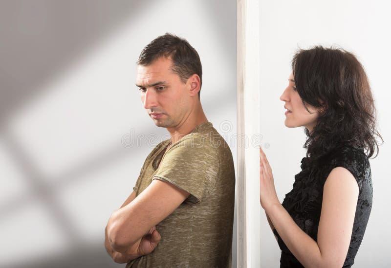 Paar-Verhältnisse - Konfliktkonzept stockbilder