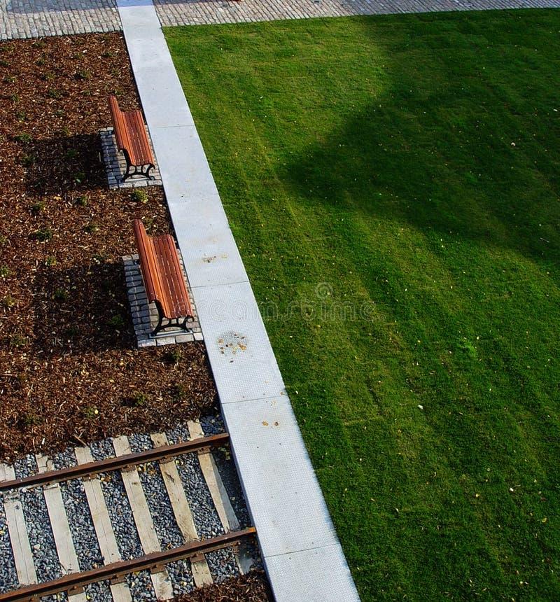 Download Paarbänke stockbild. Bild von boden, hintergrund, draußen - 40301