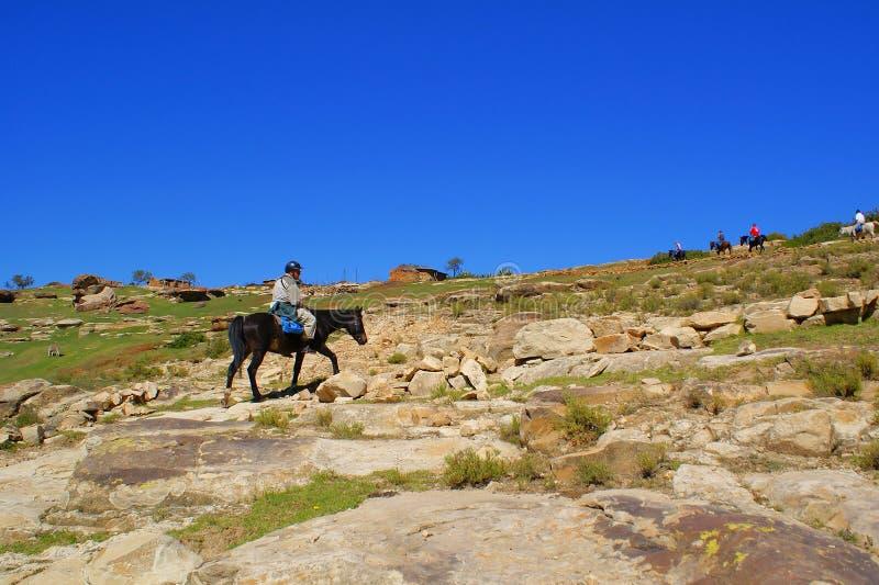 Paardrijden in Lesotho royalty-vrije stock afbeeldingen