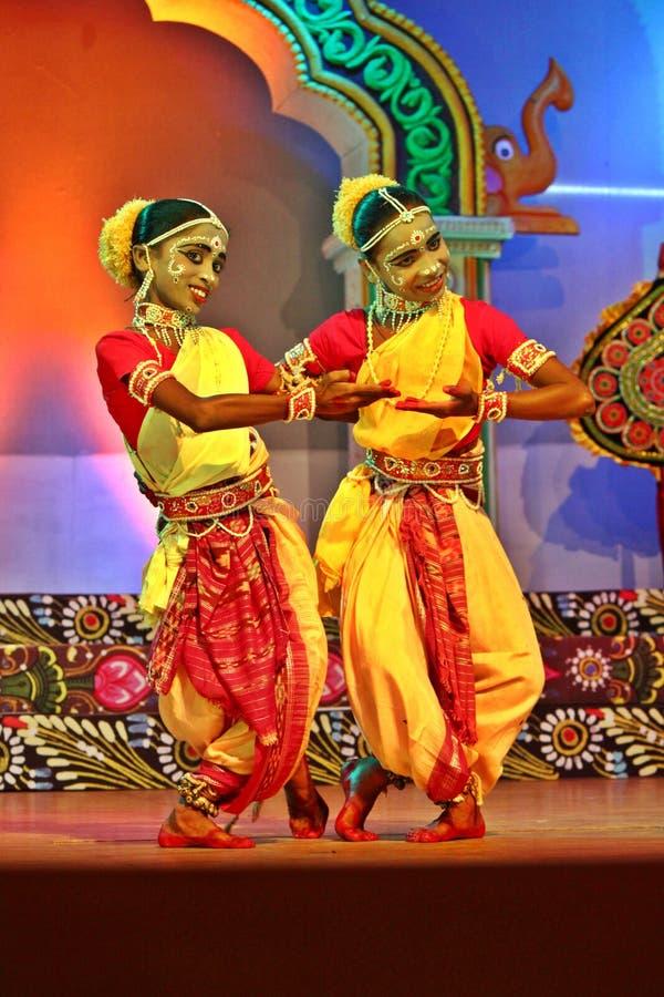 Paare der Gotipua Tänzer lizenzfreies stockbild