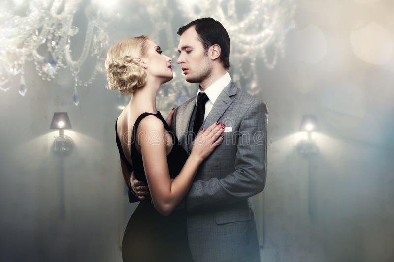 Paare in der Liebe lizenzfreie stockfotografie