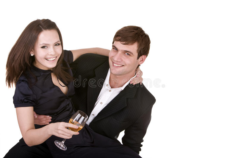 Paare des Mädchens und des Mannes küssen und trinken Wein. lizenzfreies stockbild