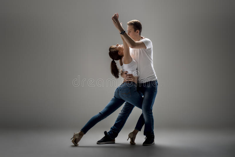 Paare, die Sozial-danse tanzen stockfotografie