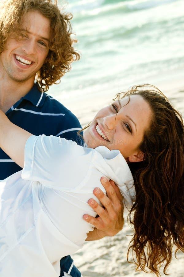Paare, die Spaß haben stockbild