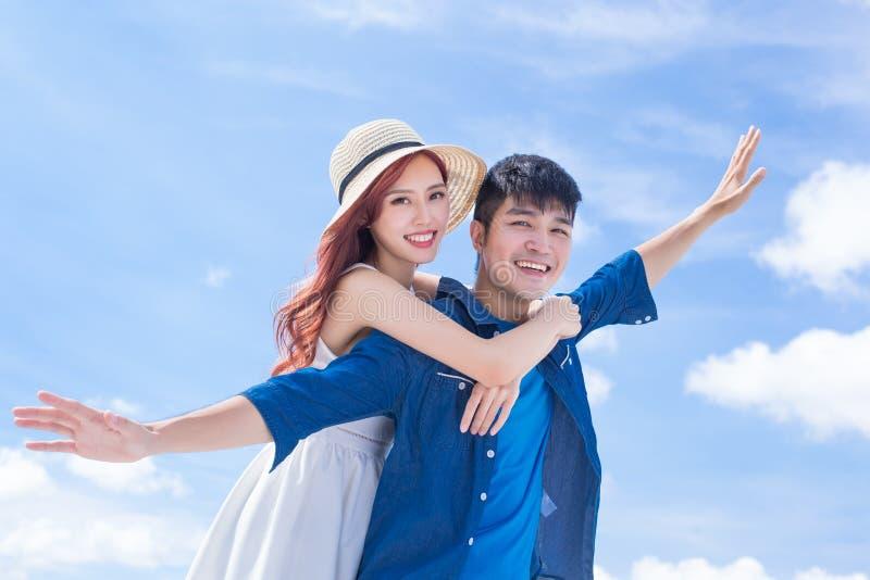 Paare glauben frei lizenzfreie stockfotografie