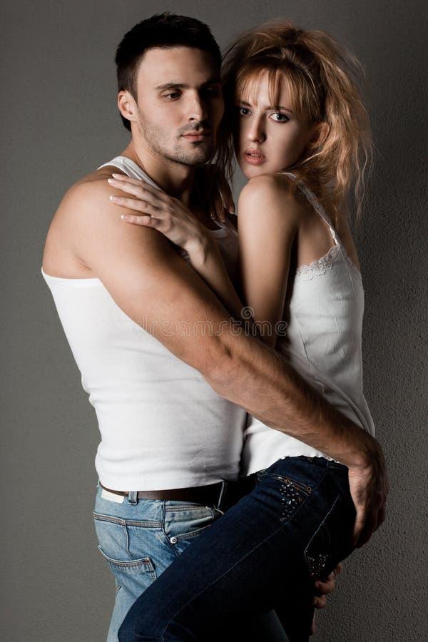 Paare - Mädchen und Kerl stockfoto