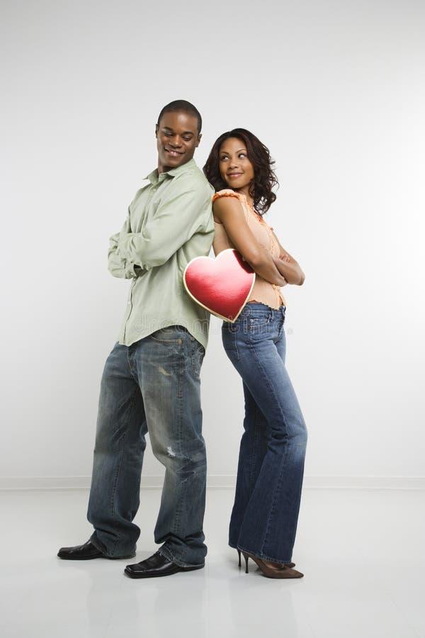 Paare mit Valentinsgrußinnerem lizenzfreie stockbilder