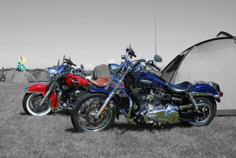 Paare von Harleys stockbild
