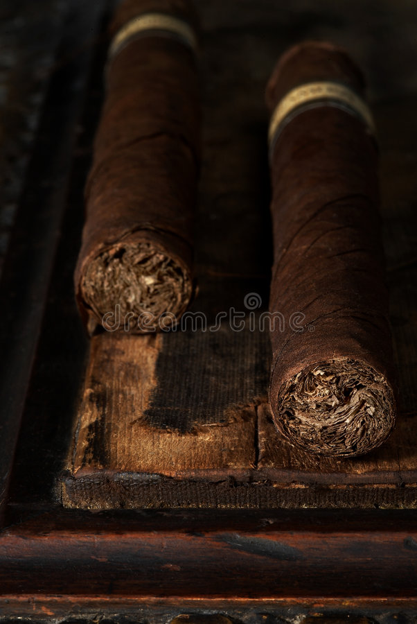 Paare Zigarren lizenzfreies stockfoto