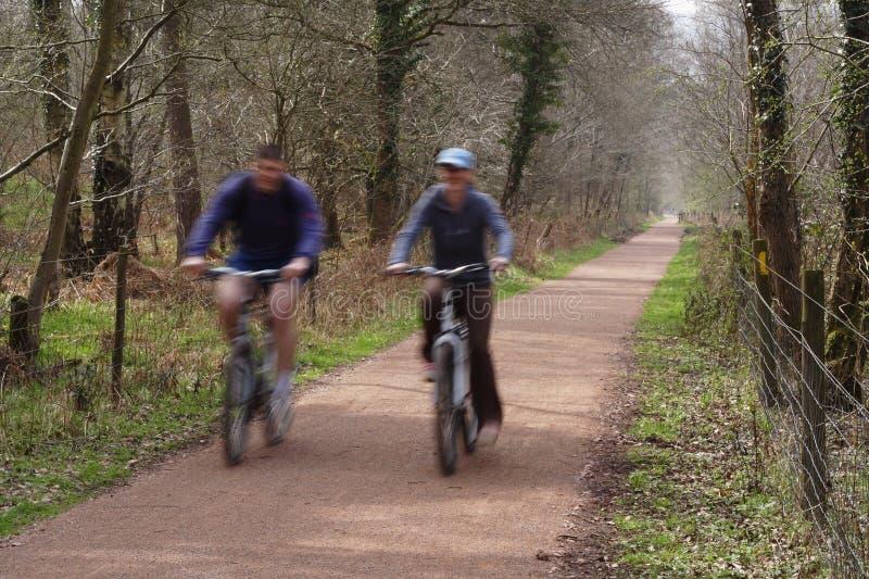 Paarradfahren lizenzfreies stockfoto