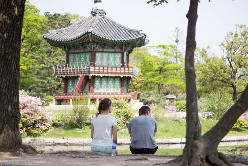 Paarvoorzijde van Koreaans Paleis, Gyeongbokgung-Paviljoen, Seoel, Zuid-Korea stock fotografie