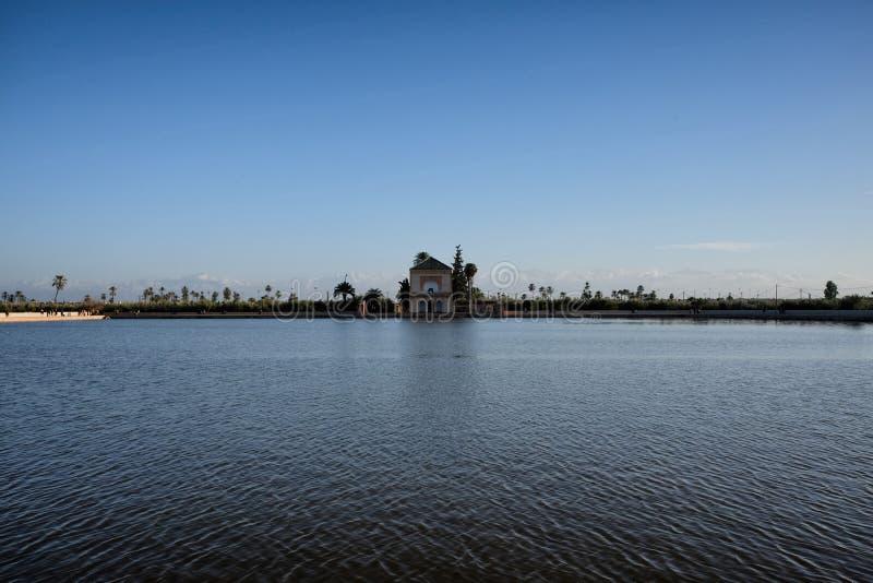 Pabellón de los jardines de Menara en Marrakesh en Marruecos foto de archivo libre de regalías