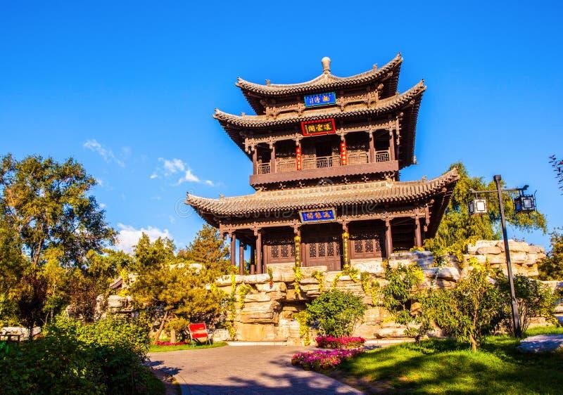 Pabellón del dragón de vuelo (Feilong) del templo conmemorativo de Jinci (museo) imagenes de archivo