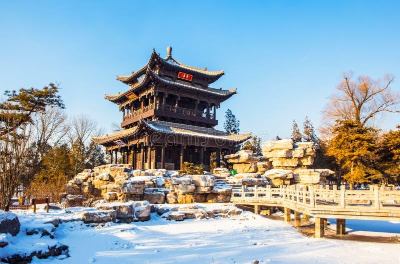 Pabellón del dragón de vuelo (Feilong) del templo conmemorativo de Jinci (museo) fotografía de archivo