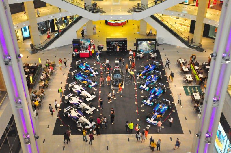 El pabellón Kuala Lumpur muestra los coches de la fórmula 1 fotos de archivo libres de regalías