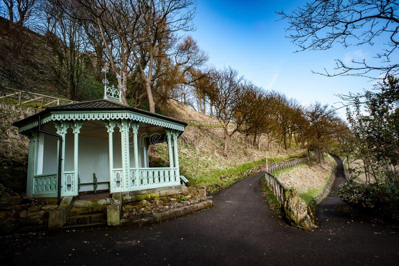 Pabellón victoriano en jardines públicos imagen de archivo libre de regalías