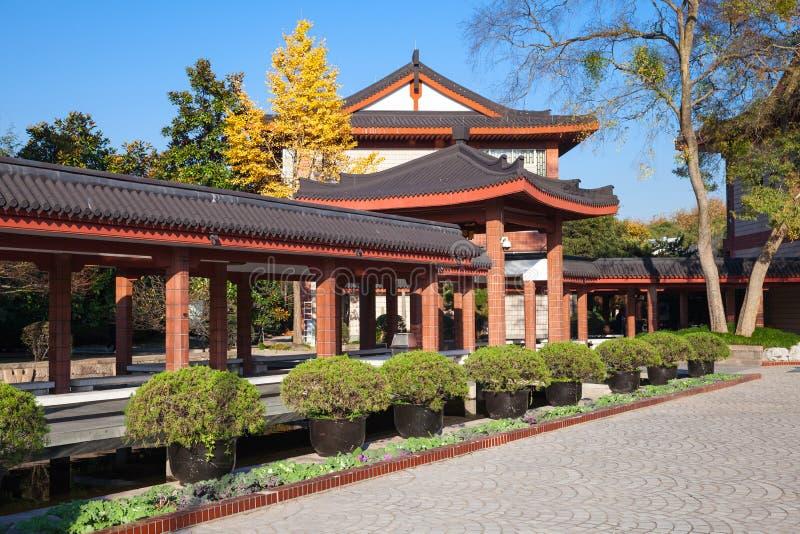 Pabellones de madera del chino tradicional imágenes de archivo libres de regalías