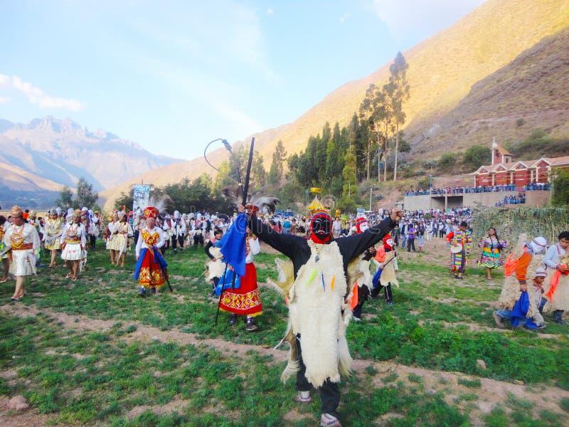 PABLITO im heiligen Tal der religiösen Prozession von cusco stockbilder