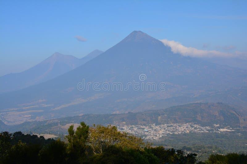 Pacaya wulkan blisko Antigua Gwatemala fotografia stock