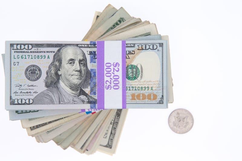 Pacchi impilati delle banconote in dollari dell'americano 100 fotografia stock