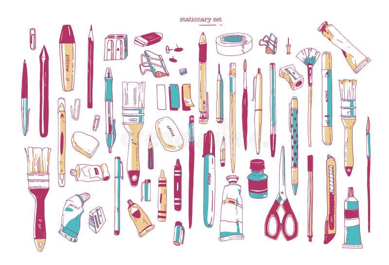 Pacco degli utensili disegnati a mano di scrittura o della cancelleria Insieme dei rifornimenti di arte e di scrittura isolati su illustrazione vettoriale