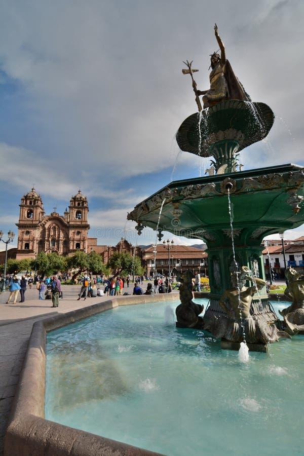 Pachacuti雕象喷泉 armas de plaza 库斯科 秘鲁 免版税库存照片