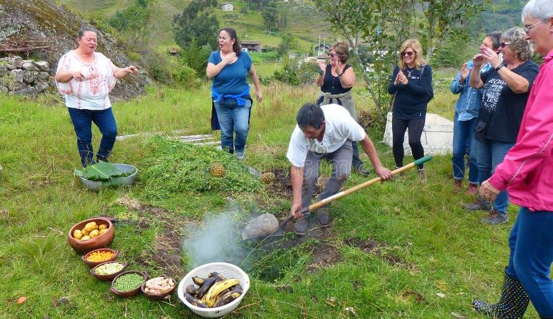 Pachamanca is een voorouderlijk ritueel van inheemse mensen van de Andes royalty-vrije stock foto