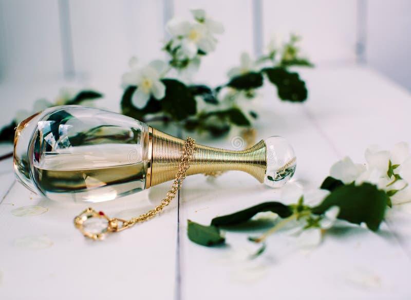 Pachnidła i jaśminu kwiaty fotografia stock