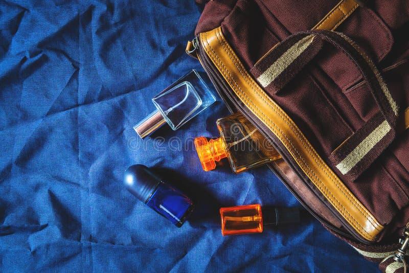 Pachnidło, pachnidło torby i butelki i obrazy royalty free