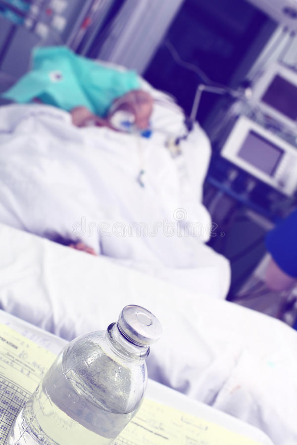 Paciente pesado em ICU imagem de stock royalty free