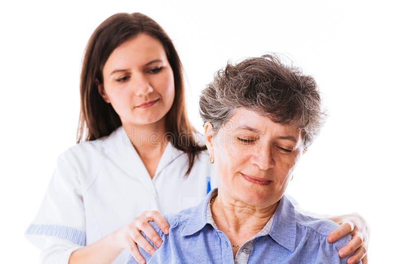 Paciente que tem a massagem fotos de stock