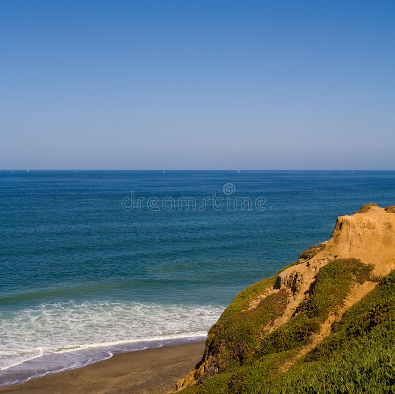 Free Pacific Cliff Royalty Free Stock Photos - 3427748
