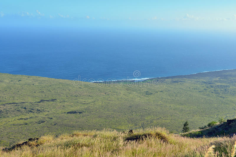 Pacific ocean coastline of old lava in Volcano National Park, Big Island of Hawaii stock photography