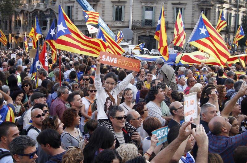 Pacificamente protesta contro gli arresti di due capi catalani del separatista e richiedere la loro liberazione fotografia stock libera da diritti