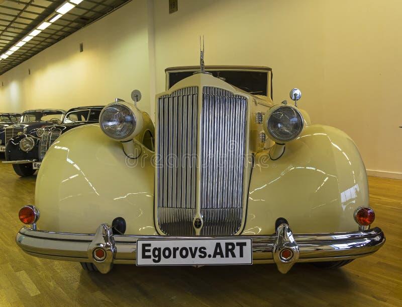 Packard bil för tolv serier royaltyfria bilder