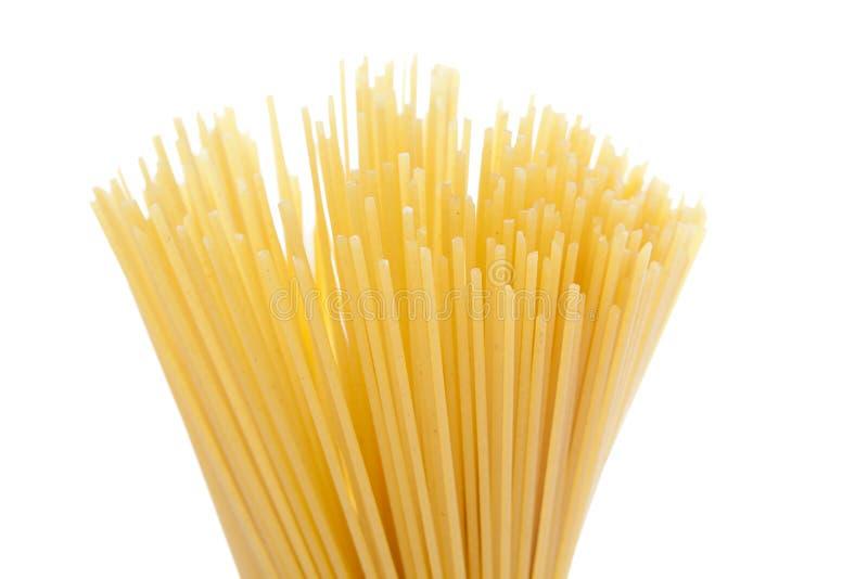 Packe av torr spagetti royaltyfri bild